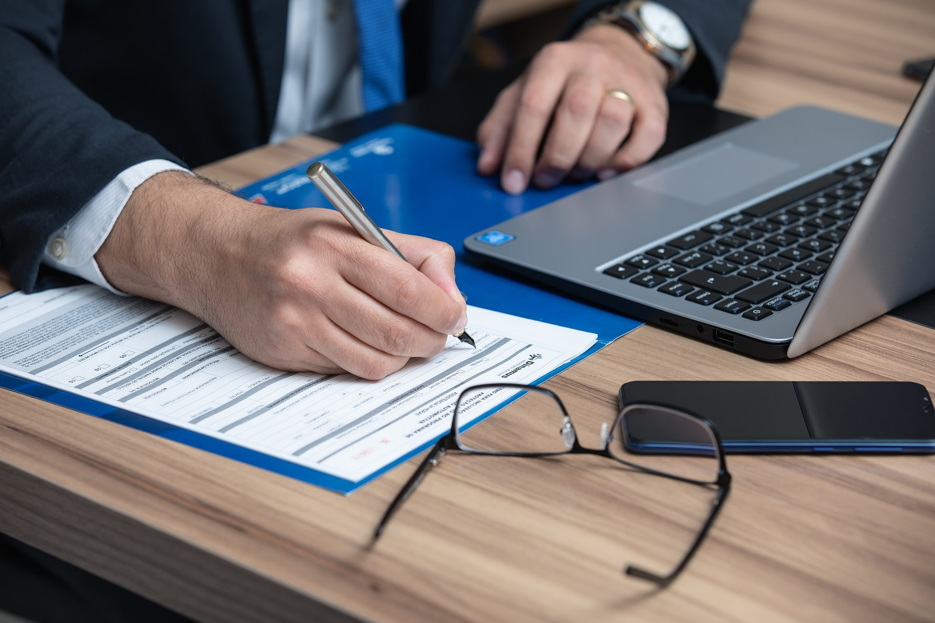 how to get clients solo attorney